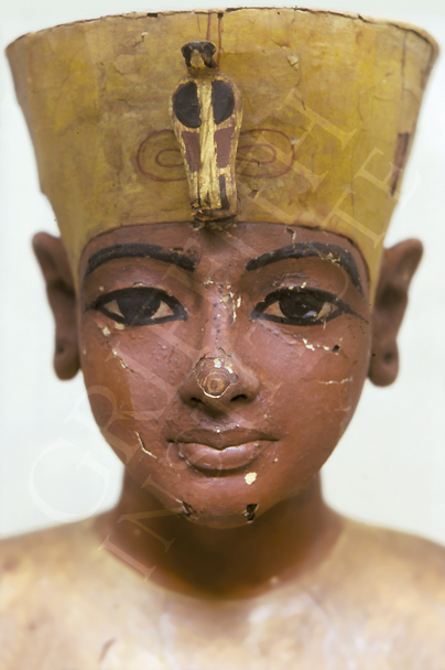 king tutankhamun essays Essays on king tut we king tut – the boy king's treasures the video is an the short life and detailed burial of king tutankhamun king tutankhamun was the.