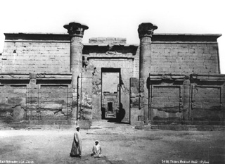 Schroeder & Cie., The Theban west bank, Medinet Habu (c.1890